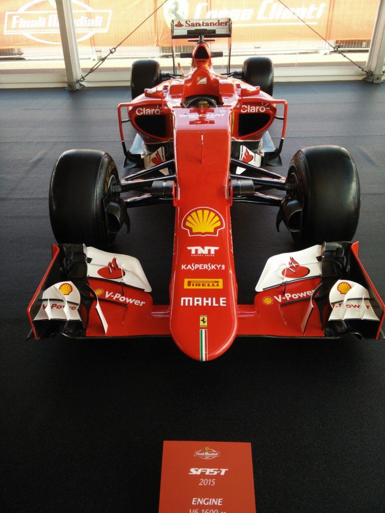(Italiano) Al Mugello per vivere i 70 anni del marchio Ferrari